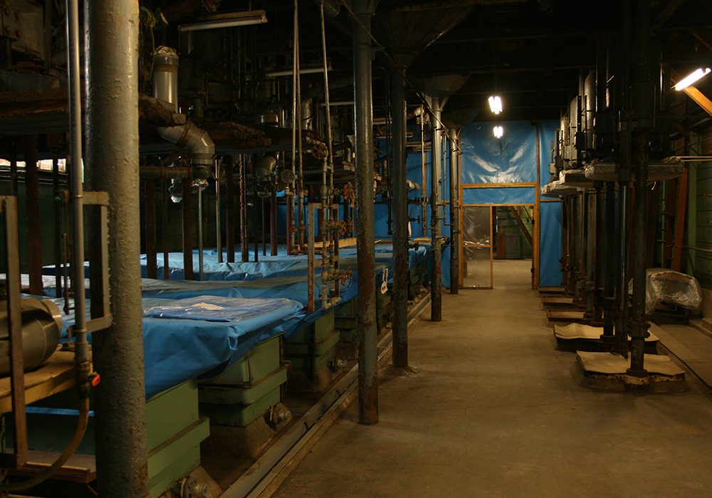 日本醤油工業醤油を絞り出す機械